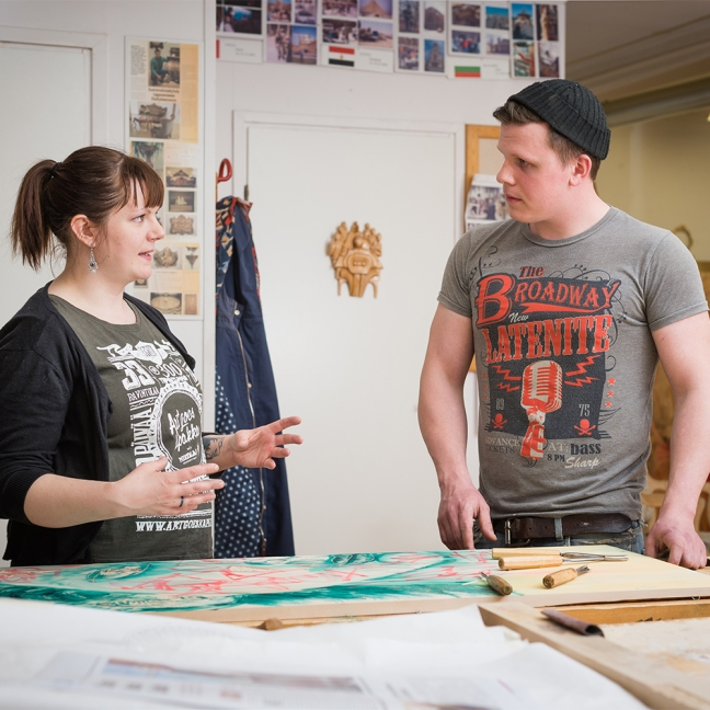 YOSK Woodcarving expert and sculptor Kaj Lindgård with Finnish artist Camilla Vuorenmaa. Camilla was the very first resident of Jurva Residence of Arts, Crafts and Design on June 2015.